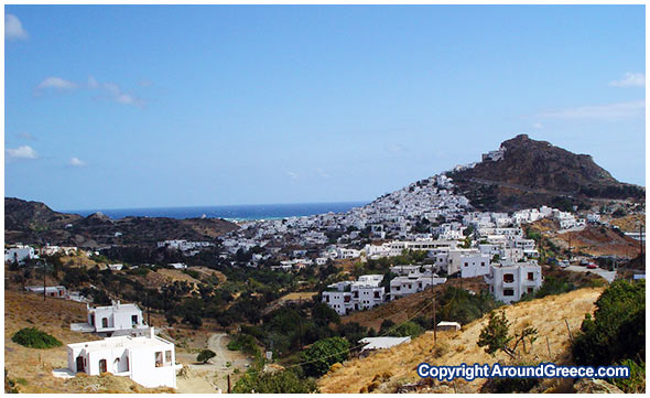 The capital town of Chora